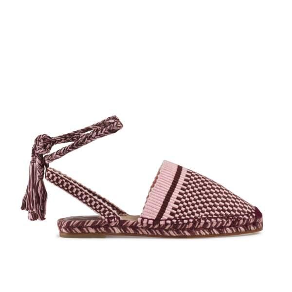 Sandales en coton tressé et semelle en corde bicolore, 395 € (Antolina sur marthalouisa.com).