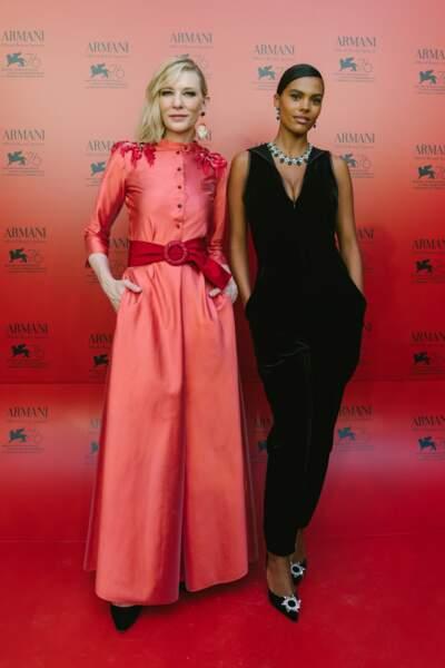 Tina Kunakey féline en combinaison noire avec Cate Blanchett lors d'un diner privé Armani