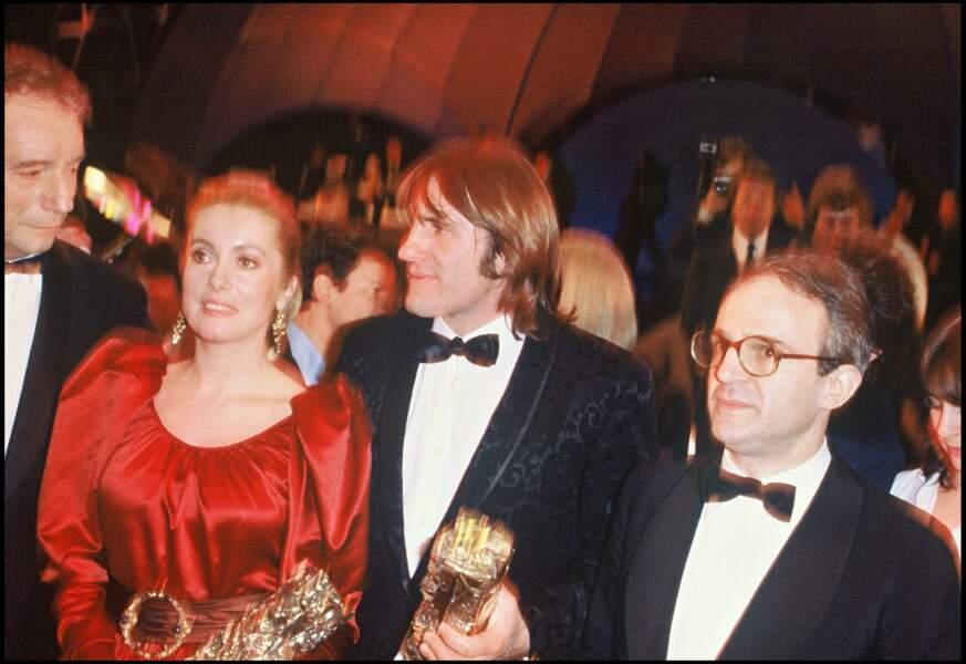 """Catherine Deneuve (avec Gérard Depardieu et François Truffaut) remporte le Cesar en 1981 pour """"Le Dernier Métro"""""""