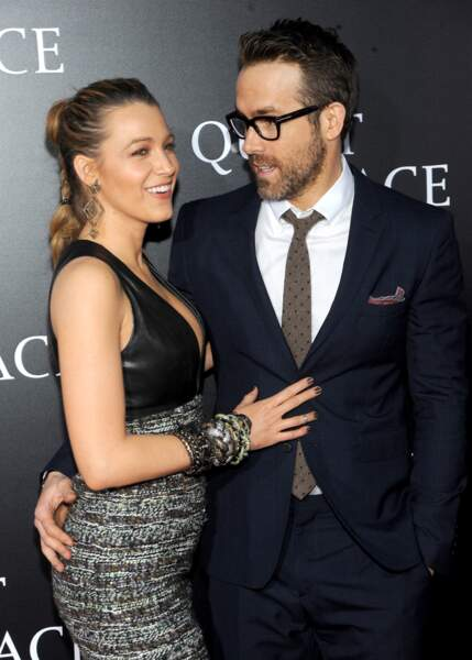 "Aux bras de son mari Ryan Reynolds, Blake Lively a opté pour ponytail ""bubble"""