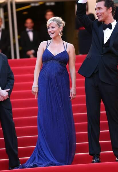 Reese Witherspoon enceinte de son fils à Cannes en 2012