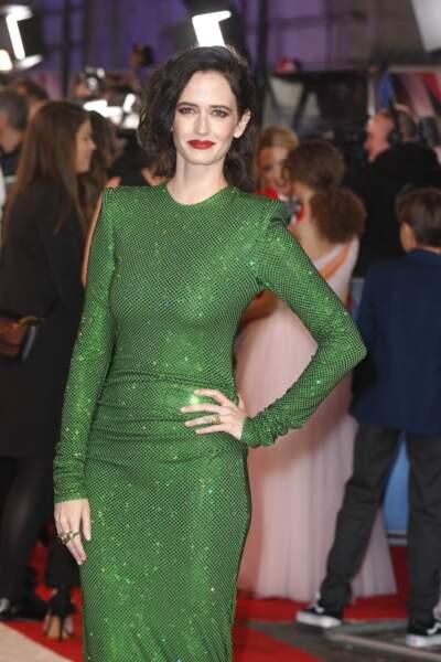 Eva Green porte une robe dotée de 150 000 cristaux Swarovski