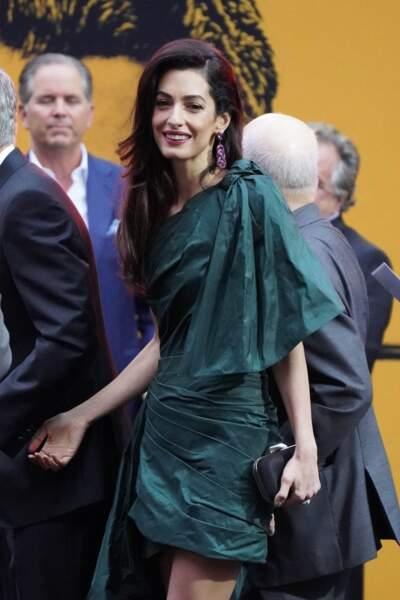 Le look d'Amal Clooney a fait sensation dès son arrivée