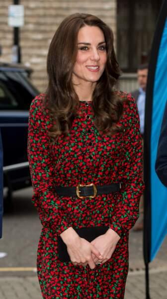 La robe longue en soie à imprimé fleuri Vanessa Seward, portée par Kate Middleton à Londres en décembre 2016