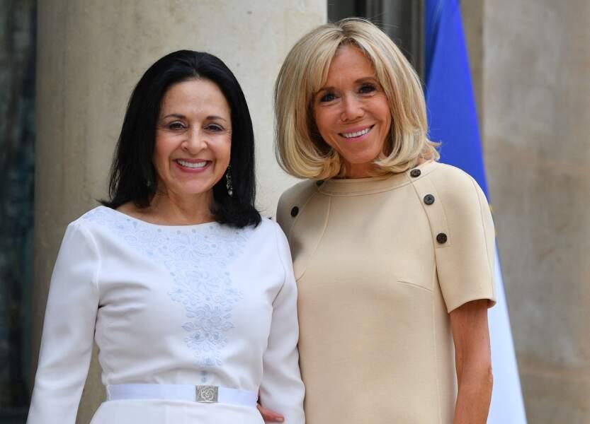 Brigitte Macron a pris la pose aux côtés de la femme du président d'Équateur