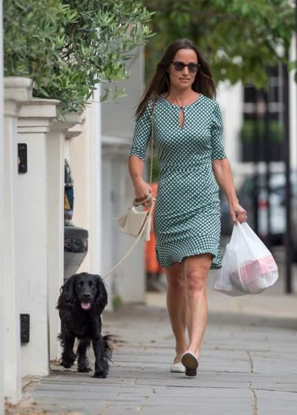 Pippa Middleton dans les rues de Londres