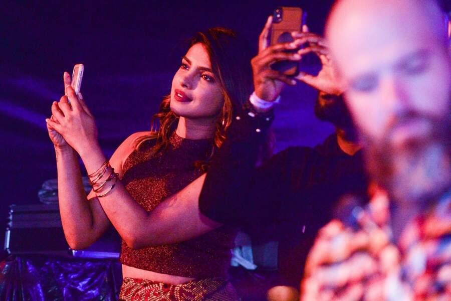 Priyanka Chopra assiste au concert de son compagnon Nick Jonas à Goiania au Brésil, le 30 juin 2018