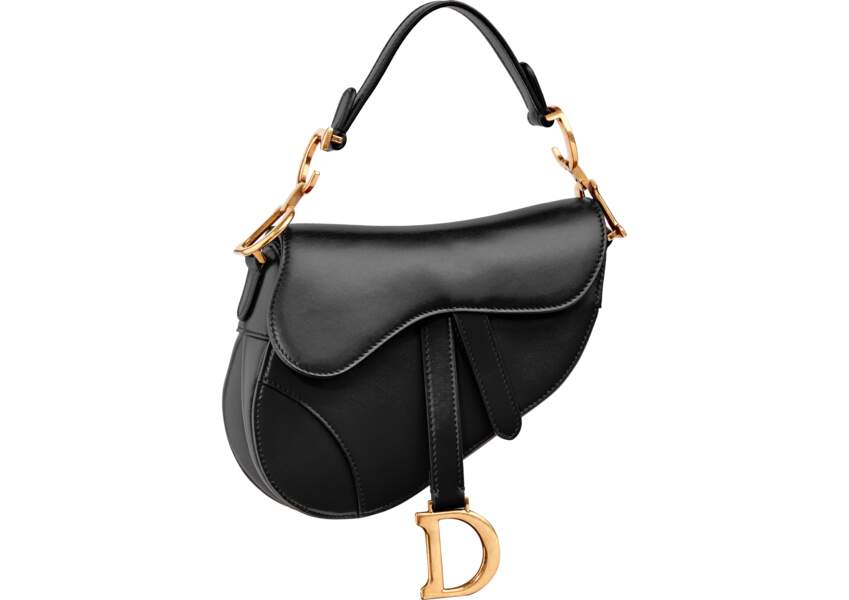 "Iconique, ""Saddle Bag"" en cuir noir, 2500 € (Dior)."