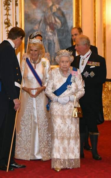 La Reine et Camille en blanc elles aussi