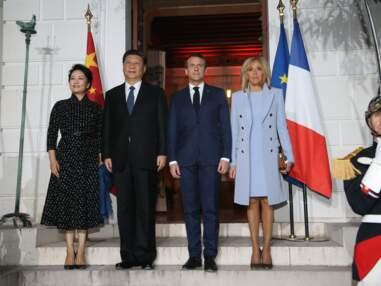 Brigitte Macron adopte un look symbolique pour sa rencontre avec le président chinois