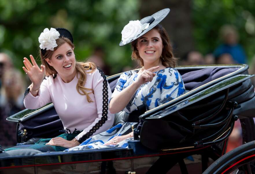 "Eugenie et Beatrice d'York lors de la parade ""Trooping the Colour"" au palais de Buckingham, le 8 juin 2019"