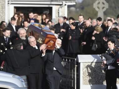 Obsèques de Dolores O'Riordan (The Cranberries) : sous le choc, la fille de la chanteuse soutenue par sa grand-mère