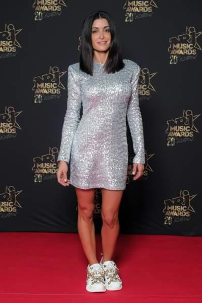Jenifer porte sa robe lamée lors des NRJ Music Awards 2018 qu'elle met en vente