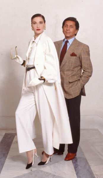 Avec le couturier Valentino, en 1989