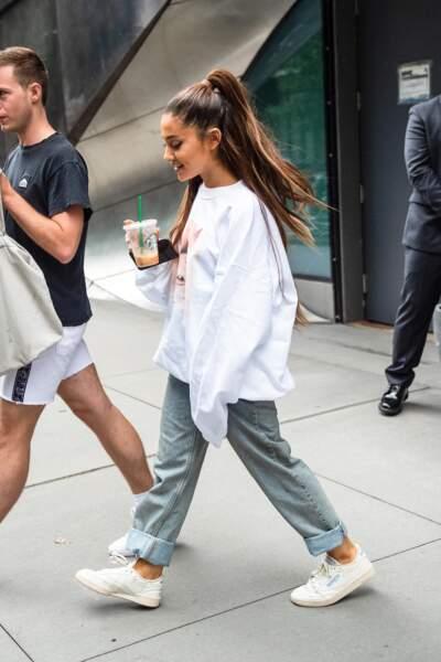 Ariana Grande la reine de la maxi demi-queue
