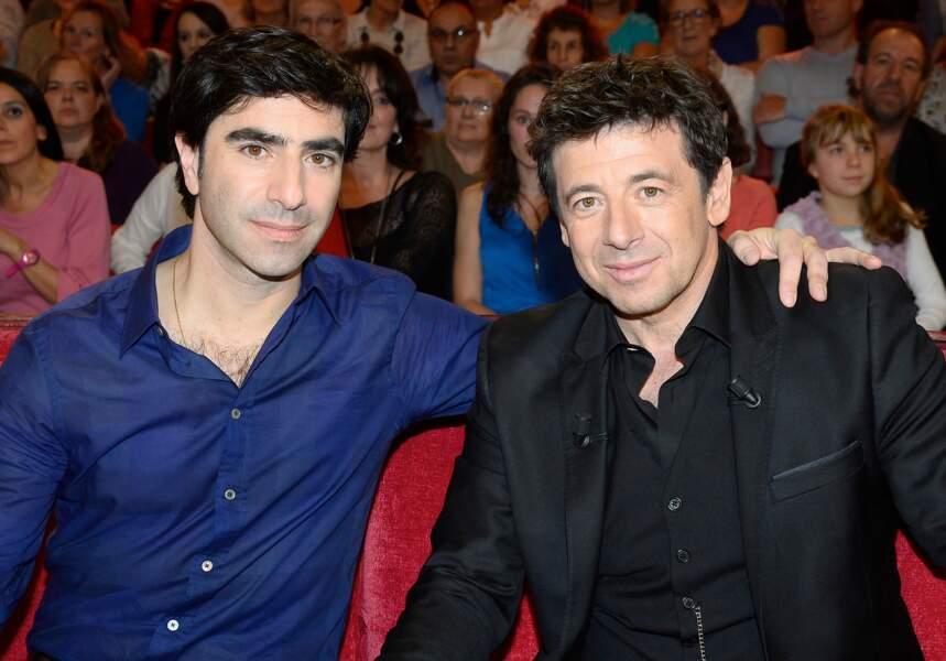 """Patrick Bruel et son frère David-François Moreau sur le plateau de l'émission """"Vivement Dimanche"""", en 2015"""