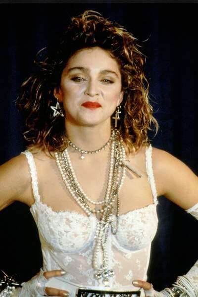 "Madonna et son carré ondulé signature, période ""Like a Virgin"" en 1984"