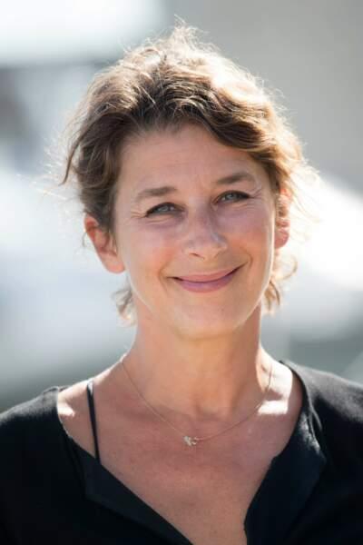 """Isabelle Gelinas présente la prochaine série comique de TF1 """"Les chamois"""""""