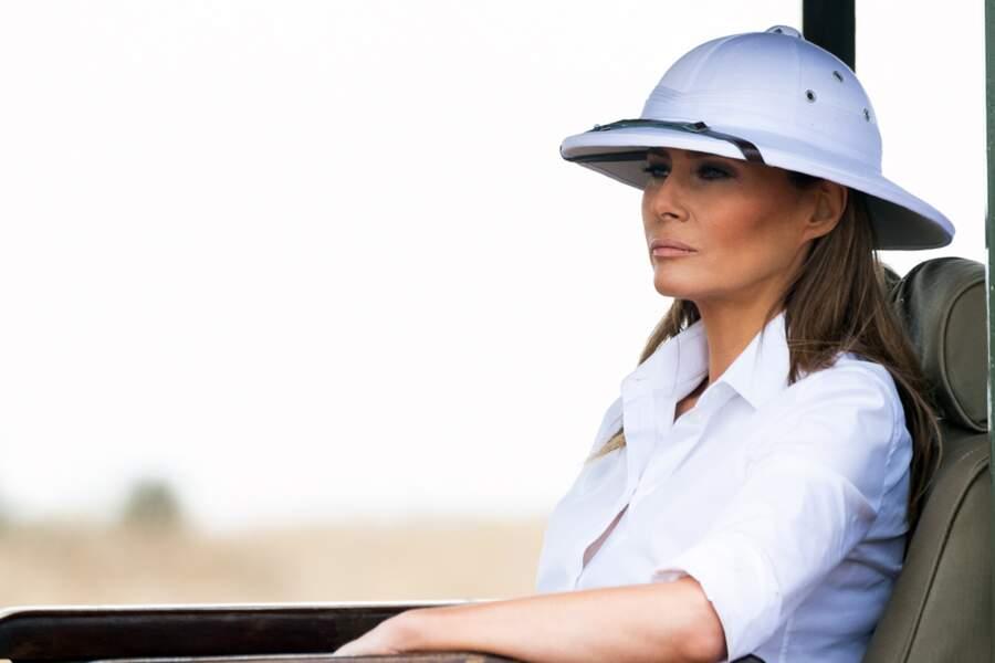 Melania Trump coiffée d'un chapeau colonial, visite le Parc National de Nairobi, le 5 octobre 2018