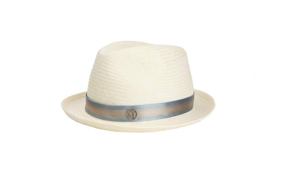 Chapeau de paille et ruban en satin bleu Ygor, 430 €, Maison Michel.