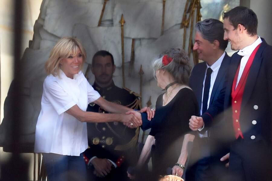 La première dame salue une dernière fois ses invités