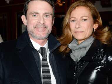 """Manuel Valls et Anne Gravoin à la représentation de la pièce """"Les Fantômes de la rue Papillon"""""""