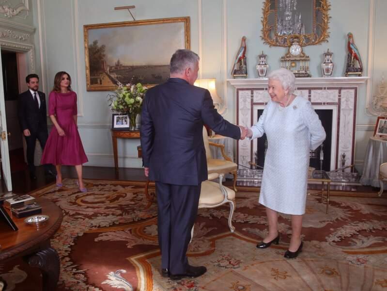 La reine Elizabeth II a-t-elle tenté de cacher sa blessure ?