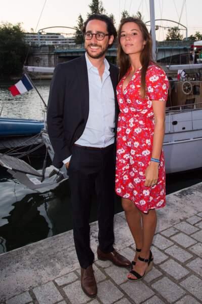 Thomas Hollande et sa future femme Emilie Broussouloux, en robe à fleurs