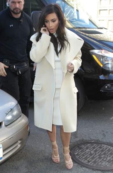 Kim K dans les rues de New York en février 2014, avec sa nouvelle aura de businesswoman.