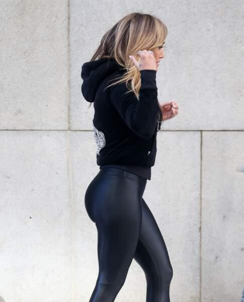 Le fessier généreux et tonique de Jennifer Lopez dite JLo qu'elle perfectionne grâce au sport