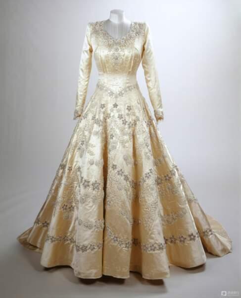 La robe fait aujourd'hui partie de la collection royale