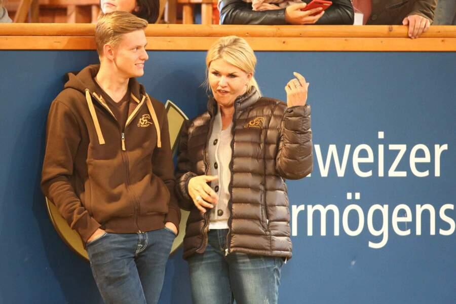 Corinna Schumacher déchaînée au bord de la piste