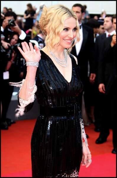 Madonna et son chignon flou avec de longues mèches autour du visage, à Cannes en 2008
