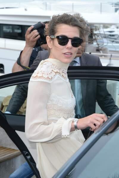 Charlotte Casiraghi préfère le bateau à la voiture