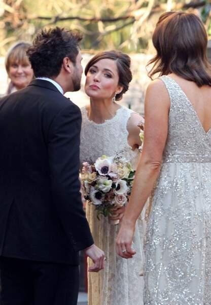 Direction Sydney pour Rose Byrne! L'actrice est la demoiselle d'honneur de son meilleur ami Krew Boylan (août 2012)