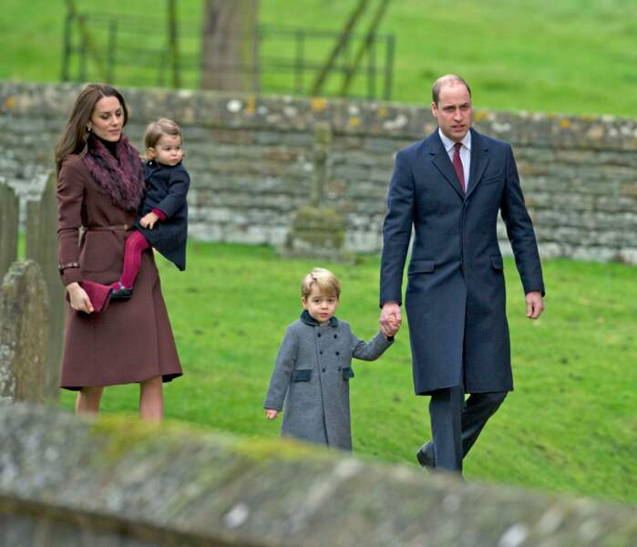 Kate, Charlotte, George et William, lors de la messe de Noël à Englefield le 25 décembre 2016