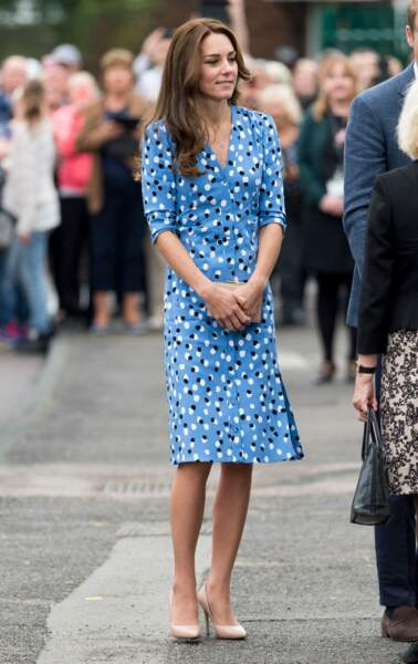 Kate Middleton, en robe à pois Altuzarra, visite l''académie Stewards à Harlow le 16 september 2016