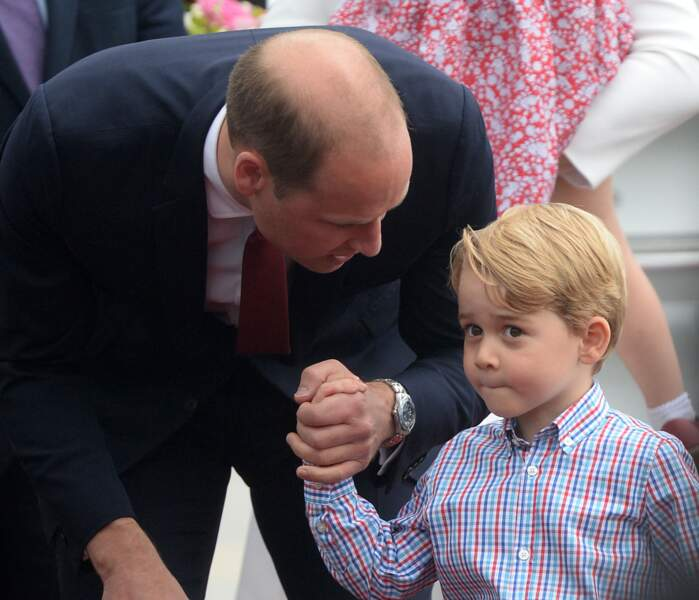 Le Prince William veille sur son fils le Prince George
