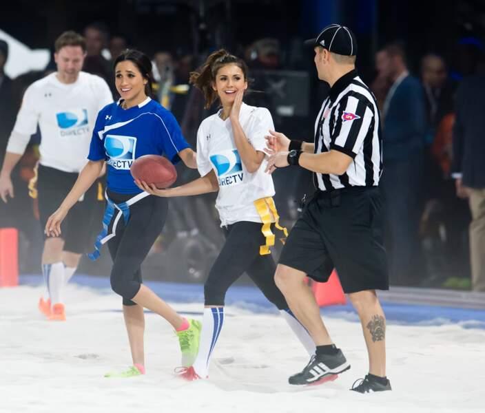 Elégante, même pendant l'effort : Meghan en legging et baskets néon jaunes pour un match de football US caritatif