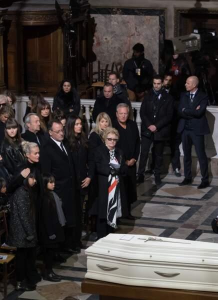 André Boudou était auprès d'Elyette, Jade, Joy et Laeticia Hallyday.