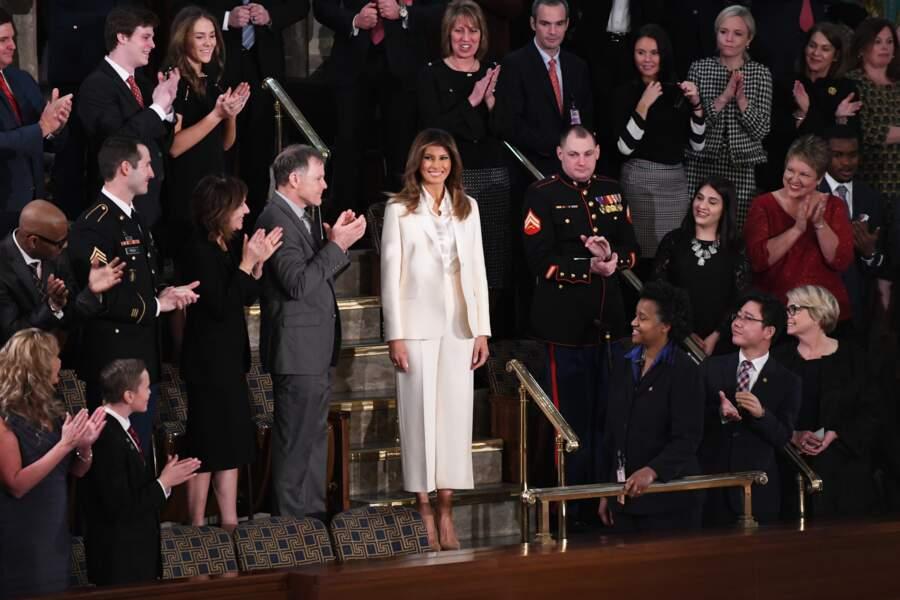 Arrivée de son côté au Capitole, Melania Trump a fait une entrée remarquée à la Chambre des représentants.