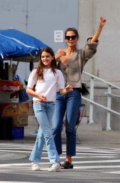 Katie Holmes et sa fille Suri Cruise font du shopping