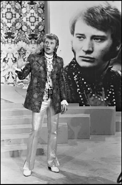 Johnny Hallyday flower-power en 1967