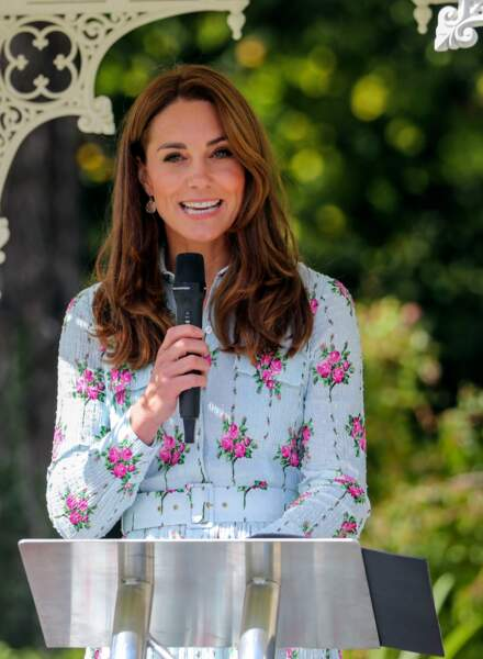 Kate Middleton ravissante en robe fleurie Emilia Wickstead pour ce speech surprise