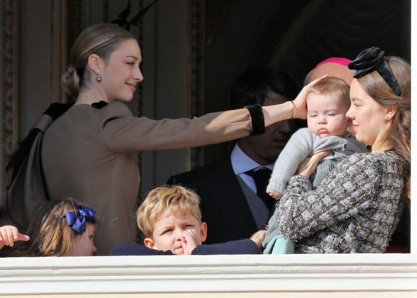 Alexandra de Hanovre portant dans ses bras Francesco (fils de Pierre Casiraghi) lors de la fête nationale 2018