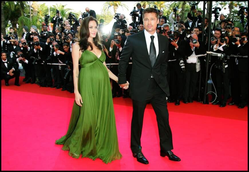 """Angelina Jolie et Brad Pitt à la montée des marches de """"Kung-Fu Panda"""" à Cannes en 2008"""