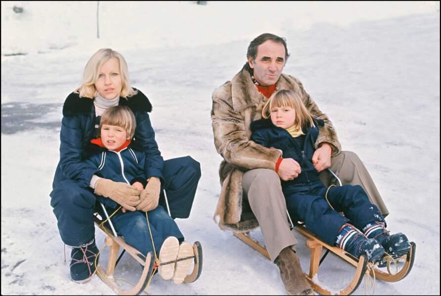 Charles Aznavour et sa femme Ulla, et leurs enfants Katia et Mischia en 1976