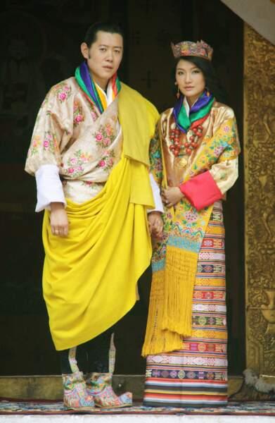 Jigme Khesar Wangchuck, roi du Bhoutan, et son épouse Jetsun Pema lors de leur mariage à Punakha le 13 octobre 2011