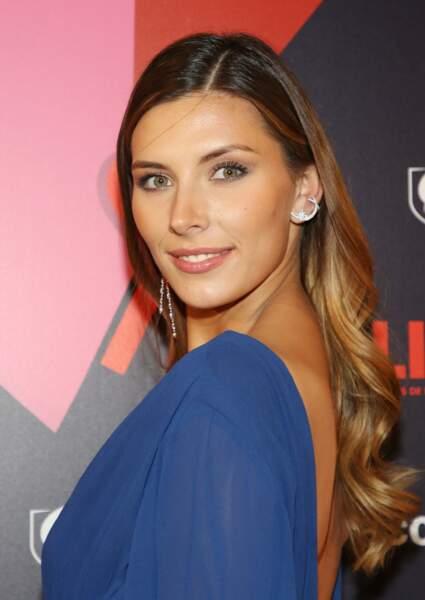 Camille Cerf, une ex-miss France dont la mise en beauté naturelle est parfaite