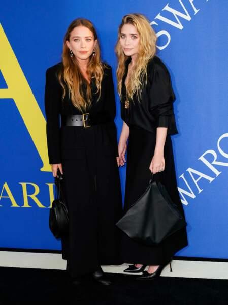 Les soeurs Olsen signent leurs looks de sacs grands formats, un détail de style à copier !